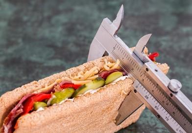 Kaip išgyventi ir sveikai maitintis greitojo maisto pasaulyje